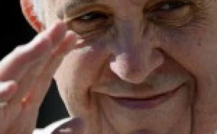 Holocauste: François déplore la réaction insuffisante des grandes puissances
