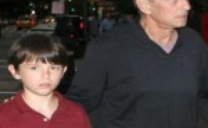 Europe : Michael Douglas dénonce l'antisémitisme dont a été victime son fils Dylan