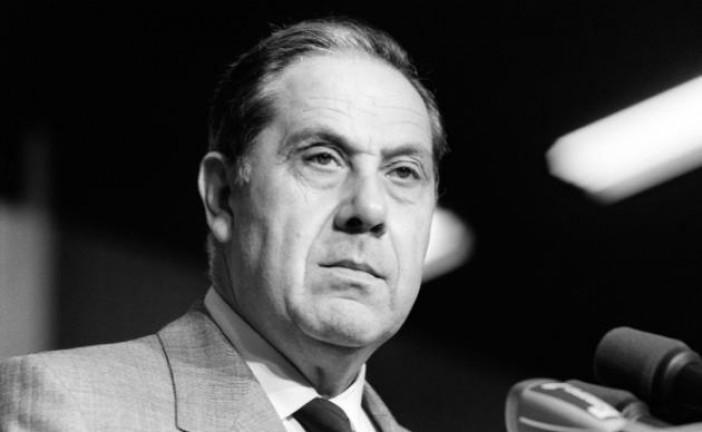 Charles Pasqua, ex-premier flic de France à la réputation sulfureuse