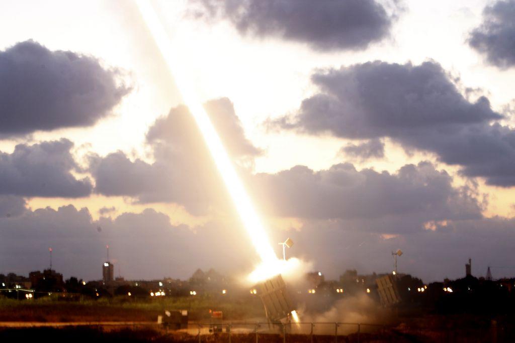 Le système de défense du dôme de fer en action (Crédit : Miriam Alster/Flash90)