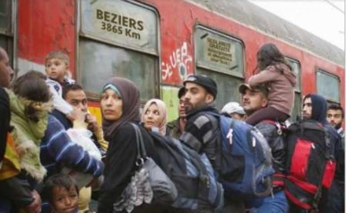 La ville de Béziers assignée en justice pour un photomontage controversé sur les migrants.