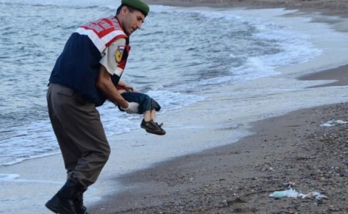 «Mes enfants m'ont glissé des mains», raconte le père de l'enfant noyé.