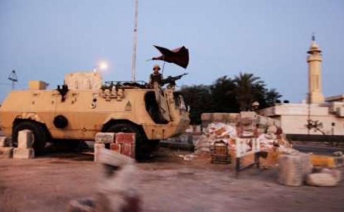 Vaste opération militaire égyptienne dans le Sinaï suite aux attentats de l'Etat Islamique.