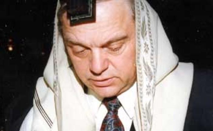 Un Rabbin du New Jersey se précipite dans les flammes pour sauver un Sefer Torah