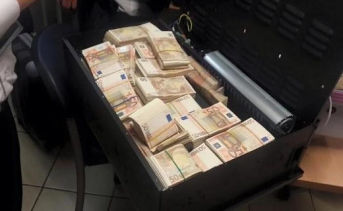 Les douaniers israéliens découvrent un magot dans la valise d'un passager français 500 000 €