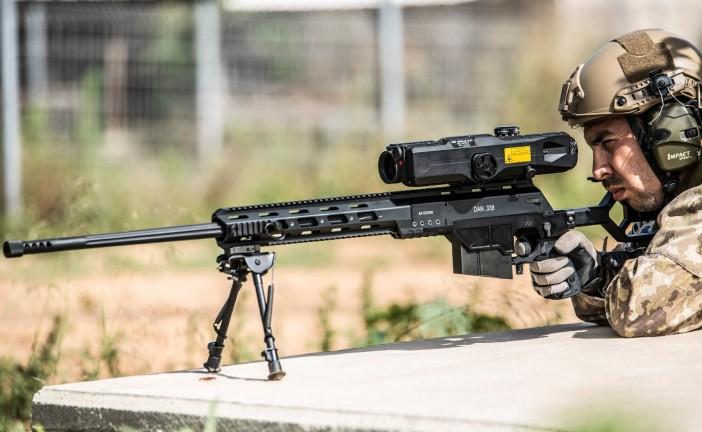 Un soldat anglais décapite un combattant de Daesh avec une balle de sniper israélien à 1200 mètres de distance.