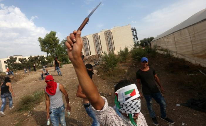 Vidéo: «L'intifada des couteaux»: la nouvelle pièce de théâtre gazaouite jouée par des étudiants.