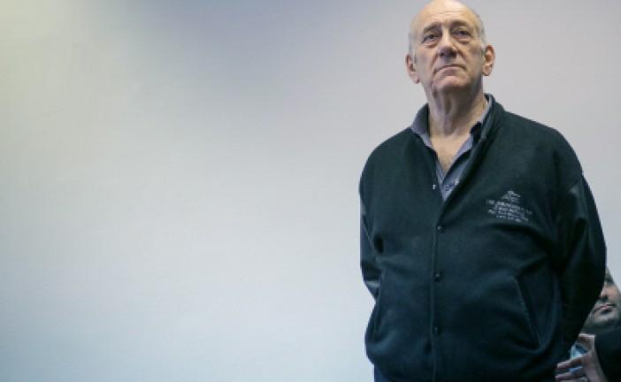 19 mois de prison ferme pour l'ancien Premier ministre Ehud Olmert.