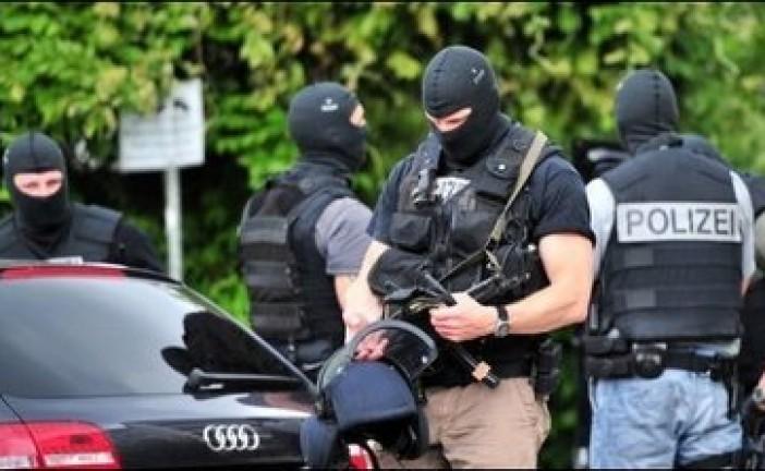 L'Allemagne intercepte des terroristes de Daesh parmi les migrants, dont  un commandant de haut rang de l'organisation Etat islamique.