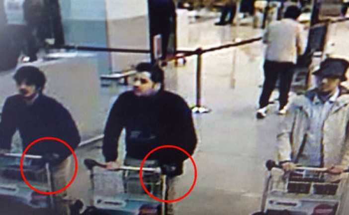 Attentat de Bruxelles: les premières images des terroristes présumés.