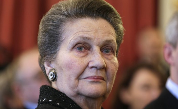Simone Veil hospitalisée après des difficultés respiratoires