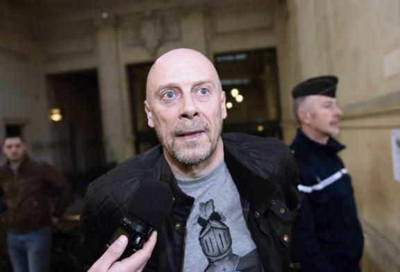 Le hackeur franco-israélien Grégory Chelli, surnommé Ulcan, a piraté le site Internet du polémiste antisémite et divulgué une partie de sa base de données.