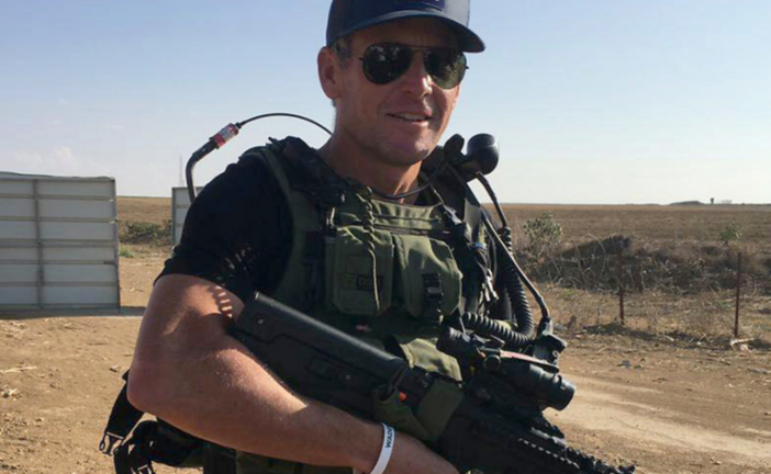 En Israël, Lance Armstrong visite les tunnels du Hamas et porte l'uniforme de Tsahal !