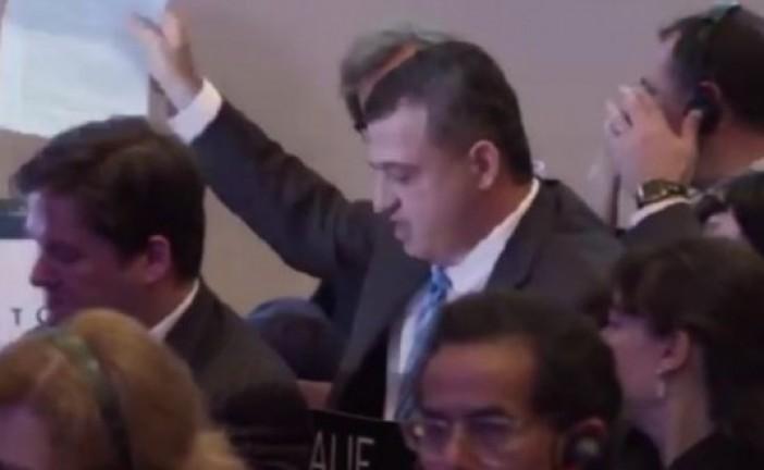 Unesco : L'ambassadeur d'Israël met la nouvelle résolution à la poubelle (Vidéo)