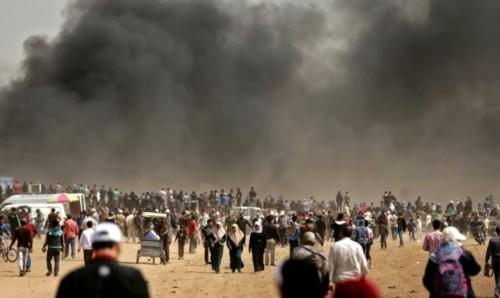 1113313-des-milliers-de-palestiniens-prennent-part-aux-protestations-a-la-frontiere-entre-gaza-et-israel-pou