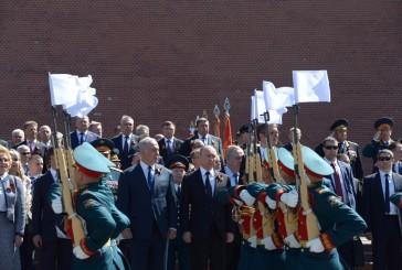 La Russie célèbre la victoire sur l'Allemagne nazie avec une parade militaire en compagnie de Benyamin Netanyahou