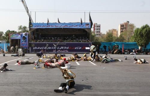 960x614_moins-29-personnes-dont-civils-tuees-samedi-lors-attentat-daesh-contre-defile-militaire-iran