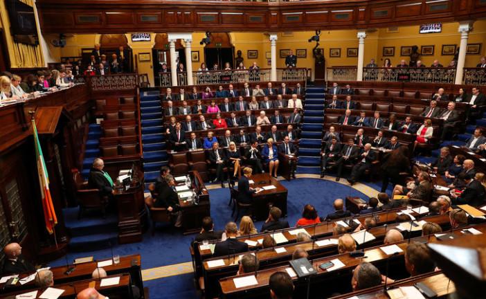 * Rapport arabe * * Le Parlement irlandais (Irlande) a approuvé la première loi autorisant le boycott des produits en provenance d'Israël.