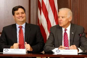 Joe Biden nomme Ron Klain, confident de longue date, chef de cabinet