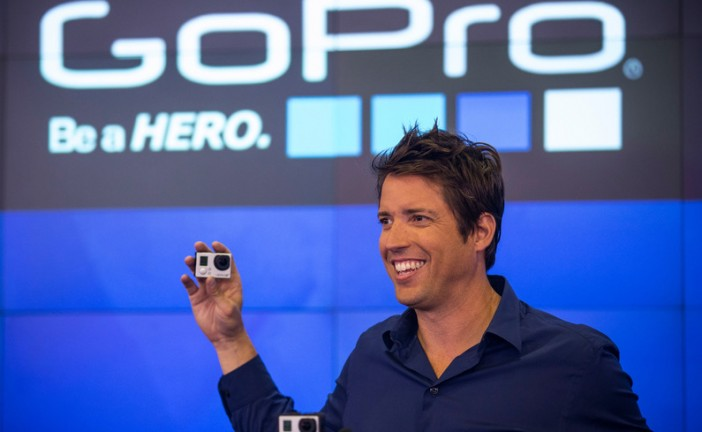 Le fondateur de GoPro offre 229 millions de dollars à son ancien colocataire