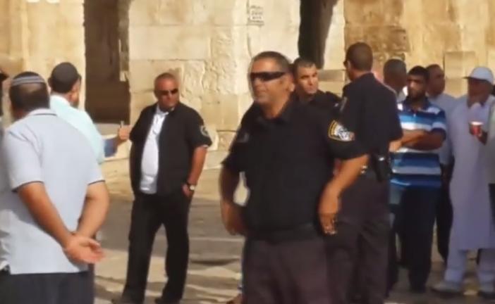 «Avec le sang et le feu, nous reprendrons Al-Aqsa», des juifs menacés au Mont du Temple.