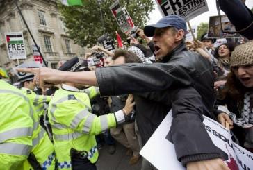 Tension entre manifestants pro-palestiniens et pro-Israéliens pour la venue de Netanyahou à Londres.