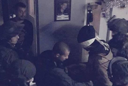 Soldats de Tsahal arrettant des suspects à Qalandiya