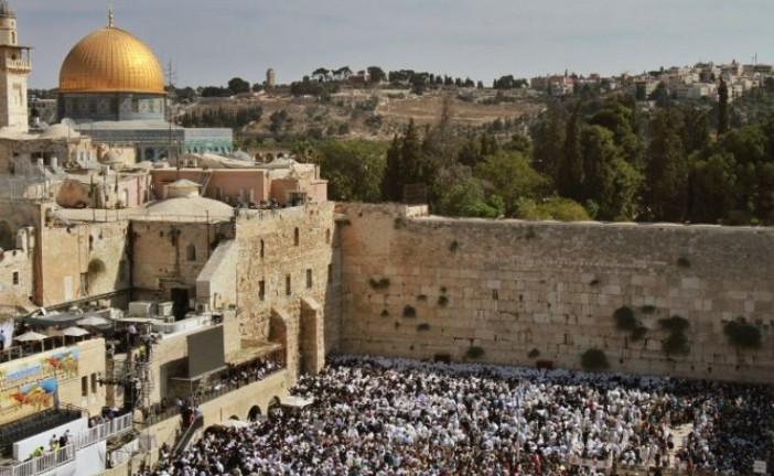 Le Mufti de Jérusalem critique la décision d'une zone de prière mixte au Mur des Lamentations.