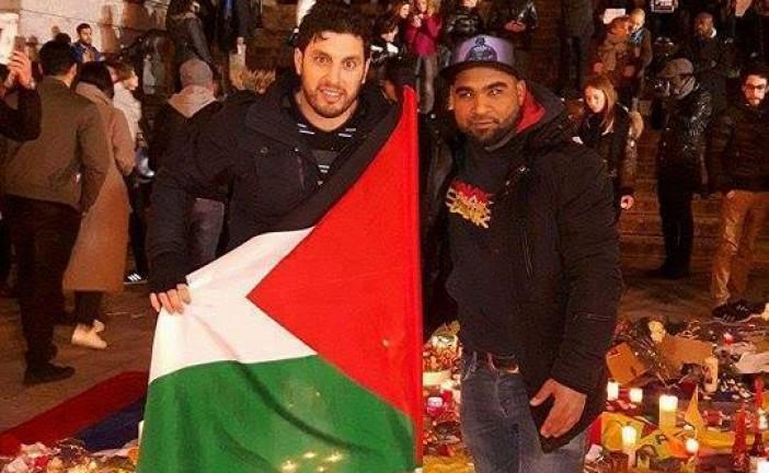 Des Pro-Palos soutien des terroristes du Hamas alliés de Daesh à Bruxelles piétinent le Drapeau Israélien