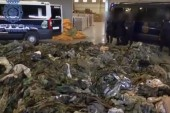 20 000 uniformes destinés à l'Etat Islamique saisis en Espagne.